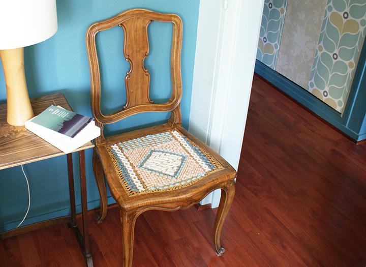 Tuto : Comment upcycler une chaise cannée – Label Emmaüs x A little Mercerie